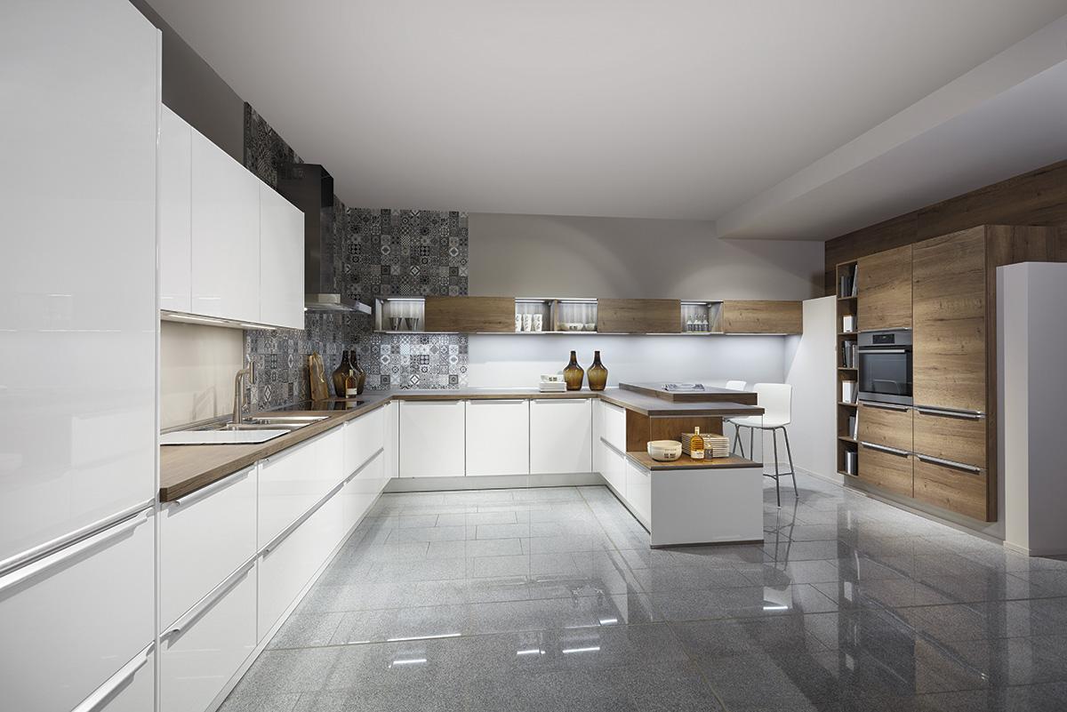 Угловая кухня nobilia Lux и Structura