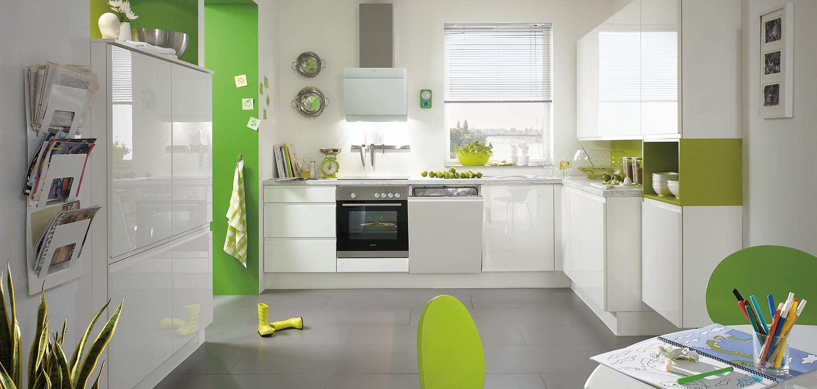 Белая глянцевая кухня nobilia Pura