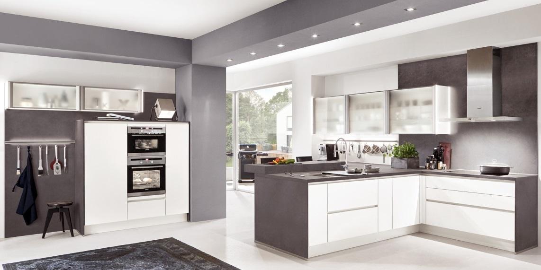 Современная встроенная кухня Fashion