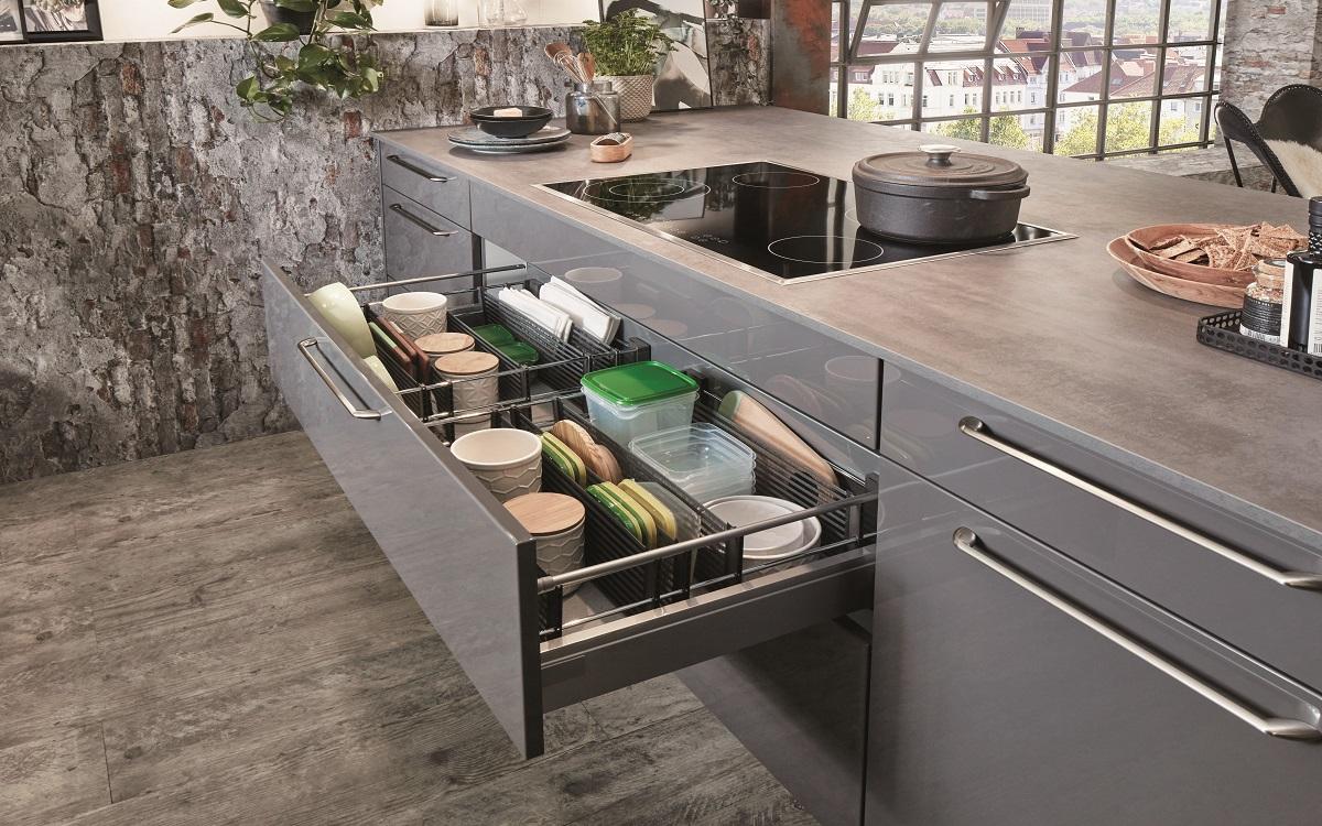 Глянцевая кухня nobilia Flash453
