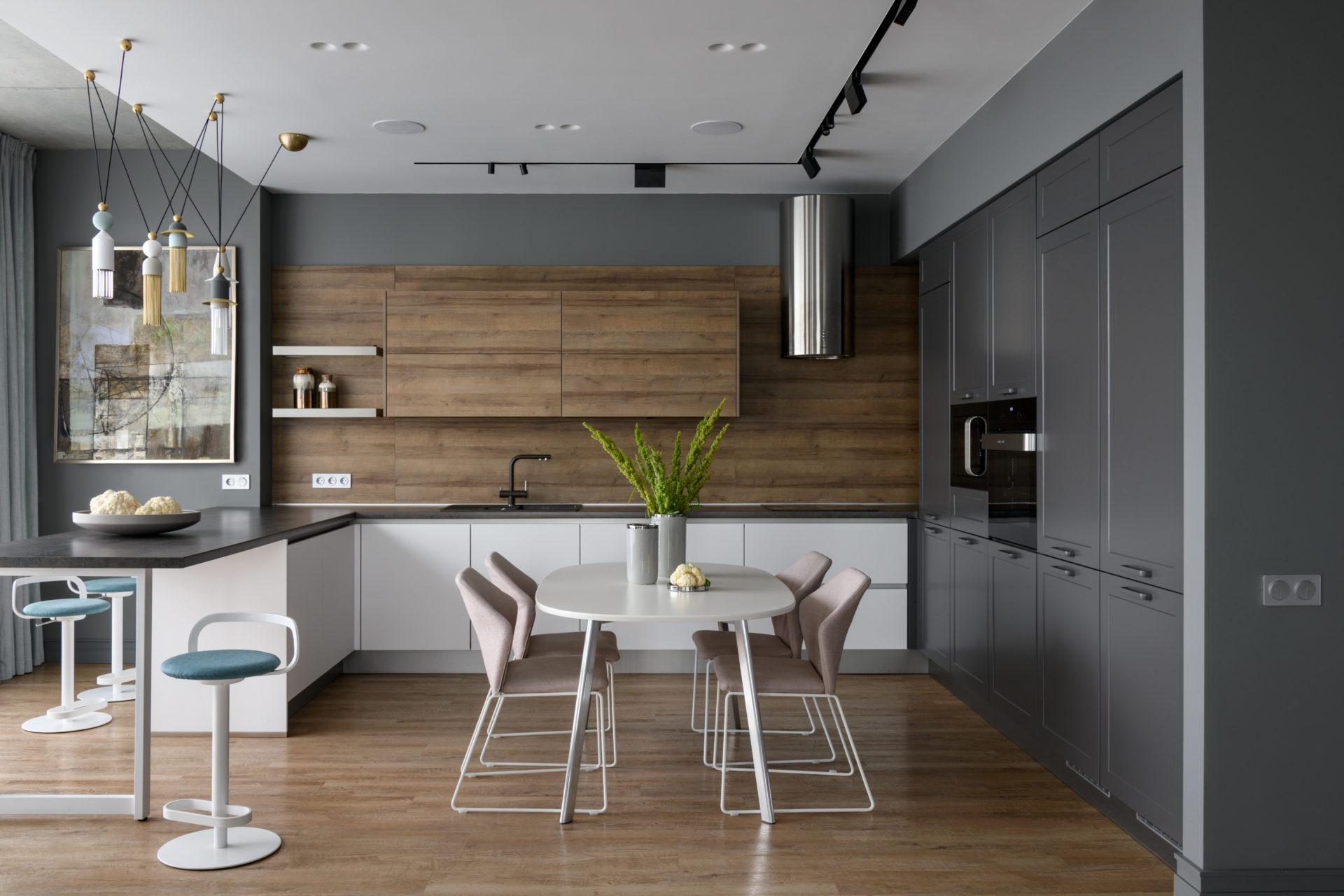 Мягкая эклектика: квартира в Новосибирске в постельных тонах. Кухня nobilia в журнале Elle Decoration